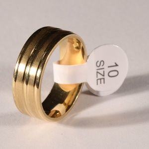 Other - 25% Off All Bundles Fasion Gold Toned Ring S-10
